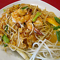 Mai-Thai-On-Main-Food1